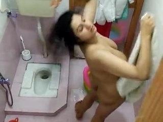 Indian Desi bhabhi nude bath aunty