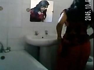 Desi girl bath spy