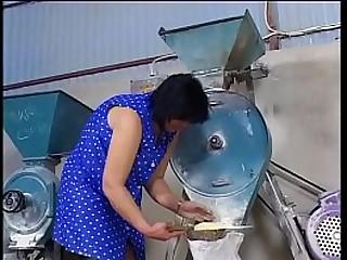 Moms in heat (Full Movie)